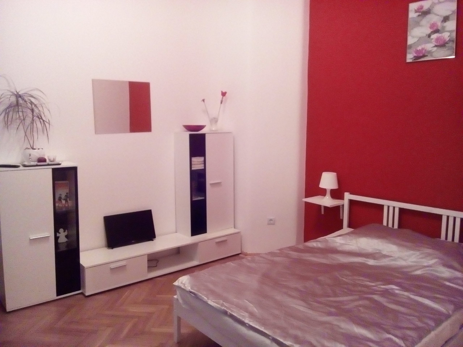 Large And Cousy Appartment In The Center Next To The