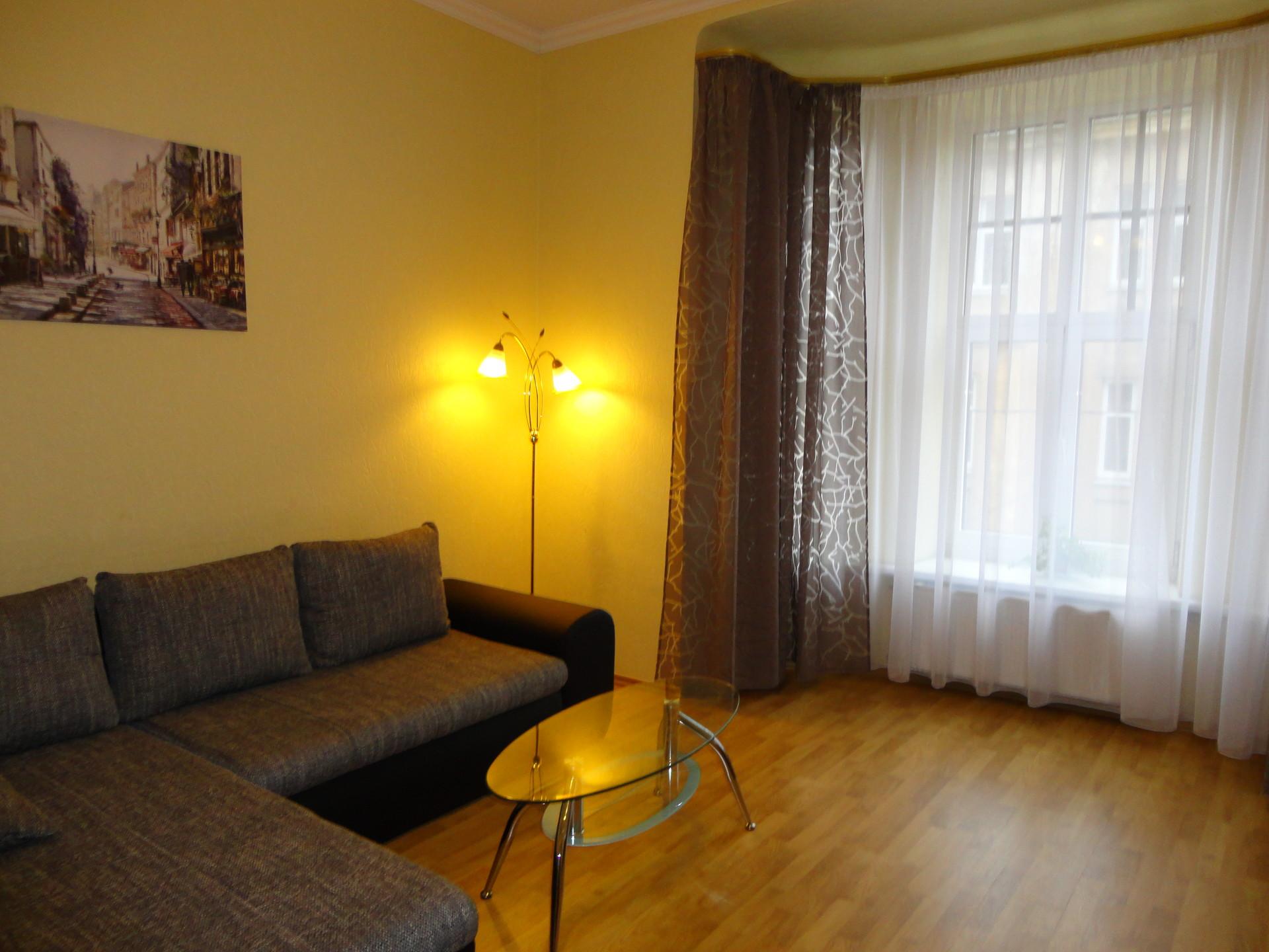 large-cozy-apartment-center-riga-92a5dcea671f7d0d7c7cc7e9ec995832