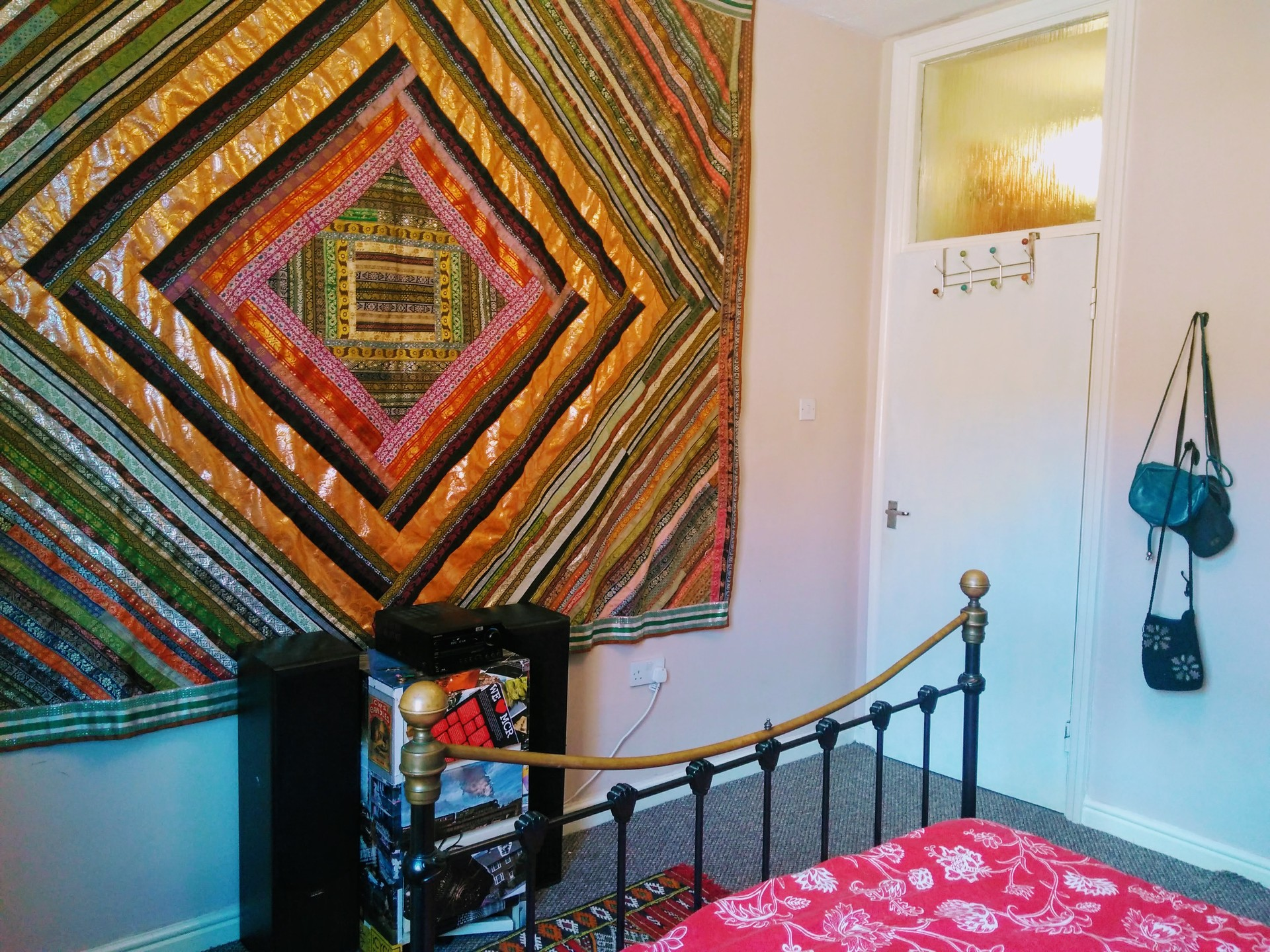 Large Double Room Available in Quite Historical City Center Loca