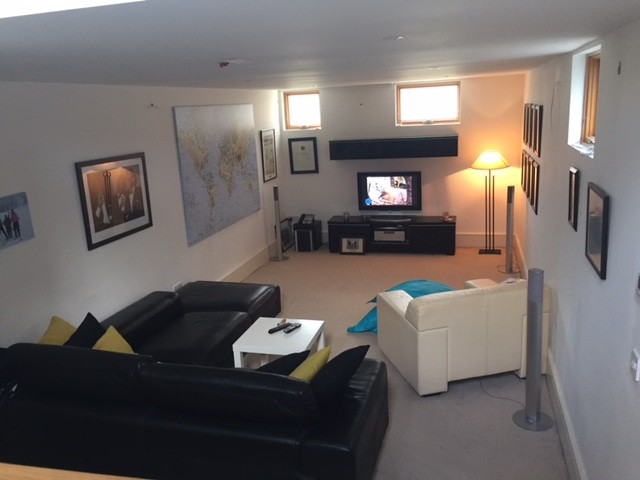 Large Ensuite Room In Large Warm Home With Separate Kitchen And Living Room Part 36