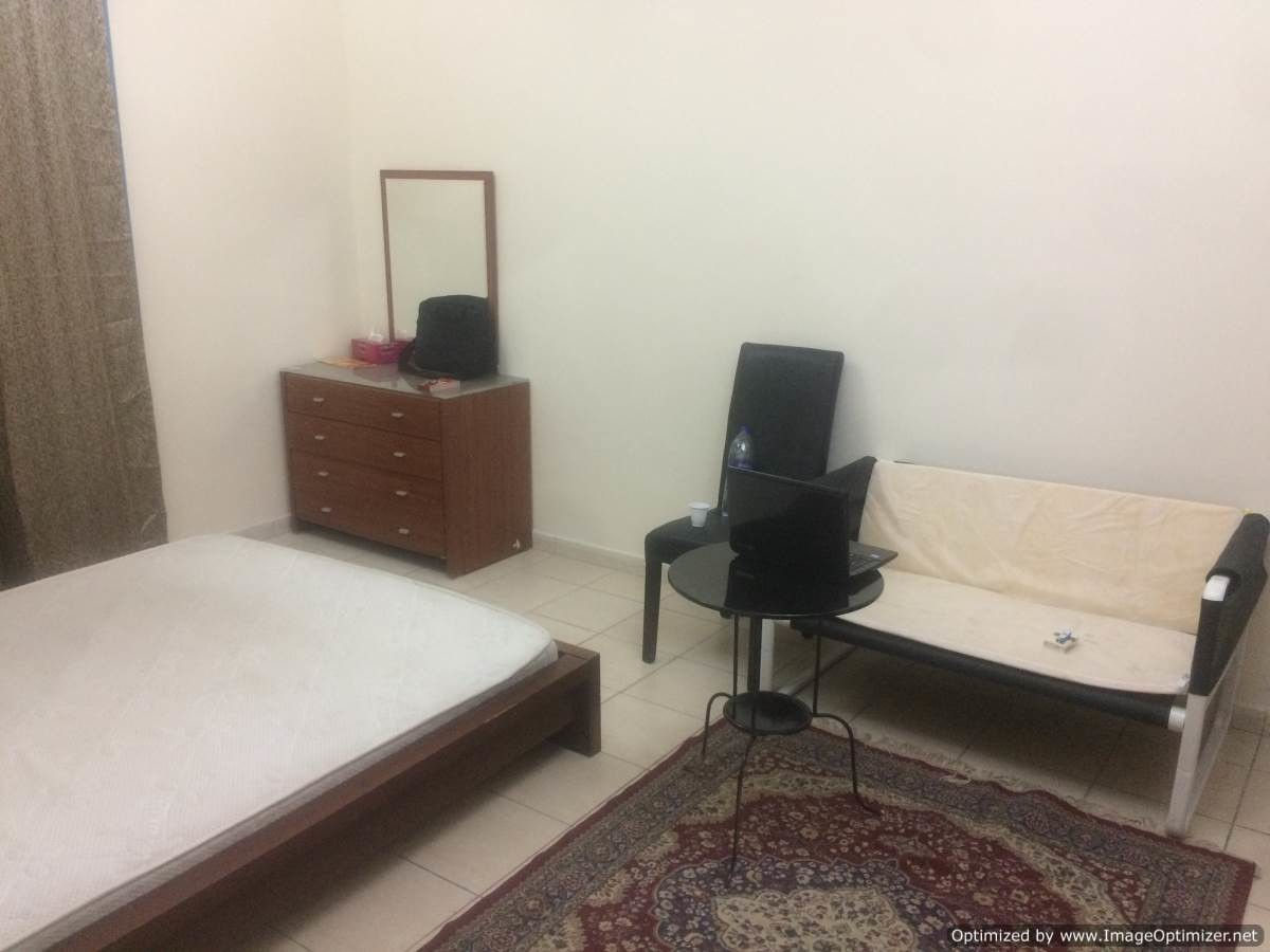 Large furnished room with en suite washroom room for for Furnished room