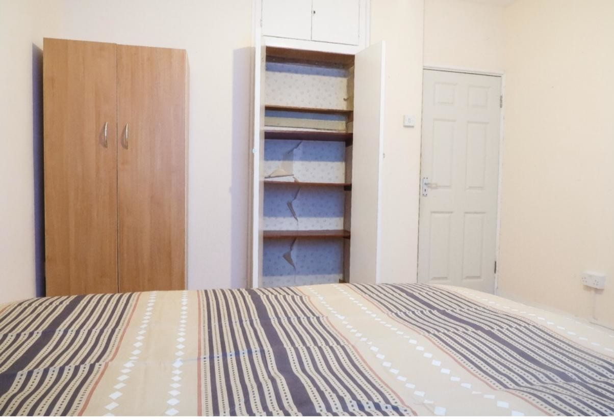 Large room, Lots of Storage, Bethnal Green, Central Line, Next t