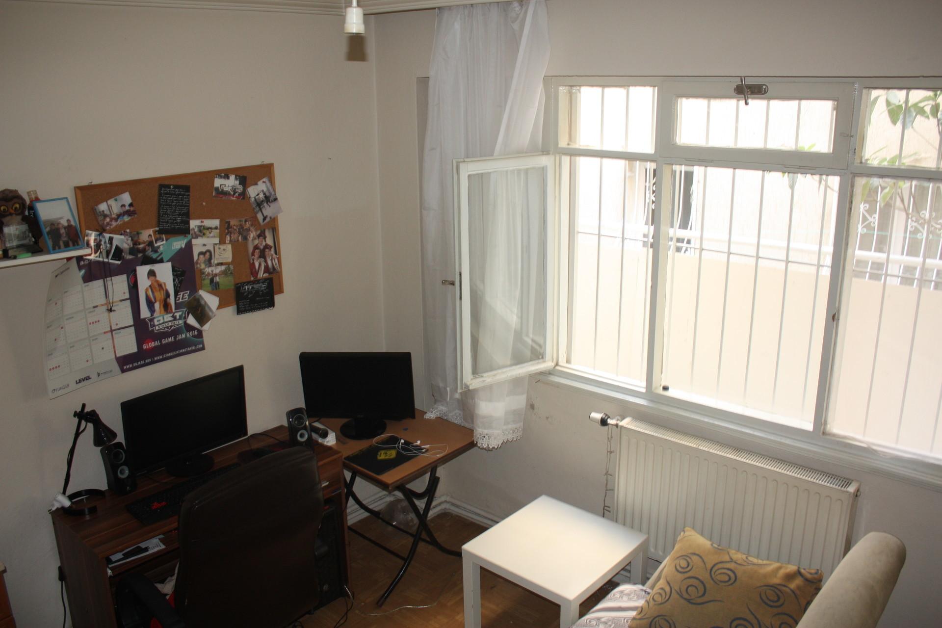 Large Single Room Close To Izmir University Of Economics Room For Rent Izmir