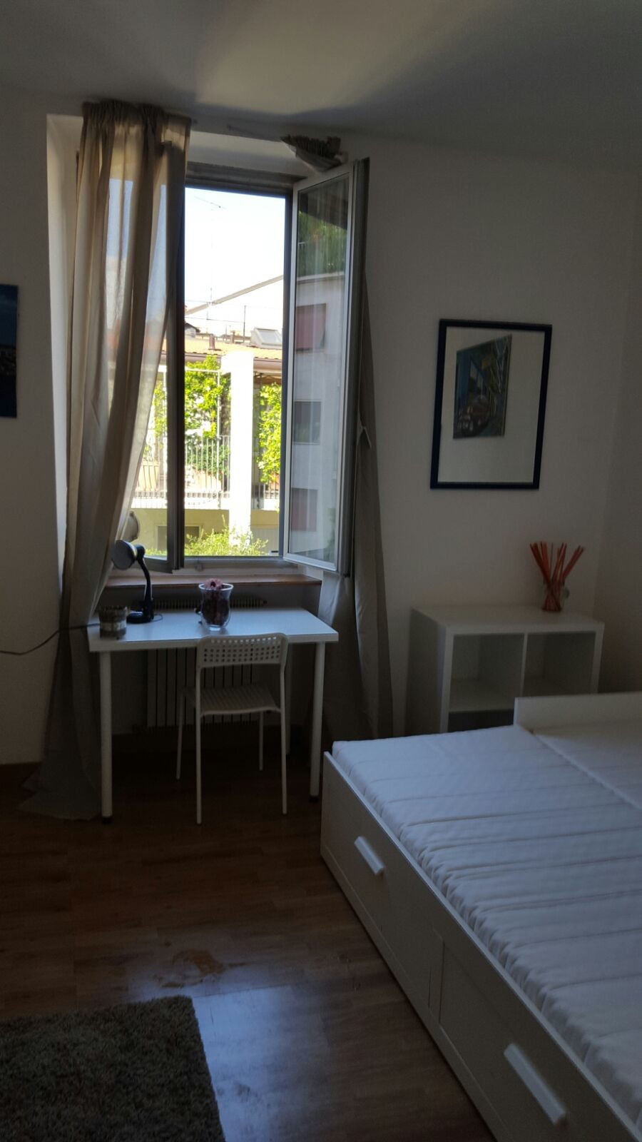 Large SINGLE ROOM in shared apartment in city center MILAN ...