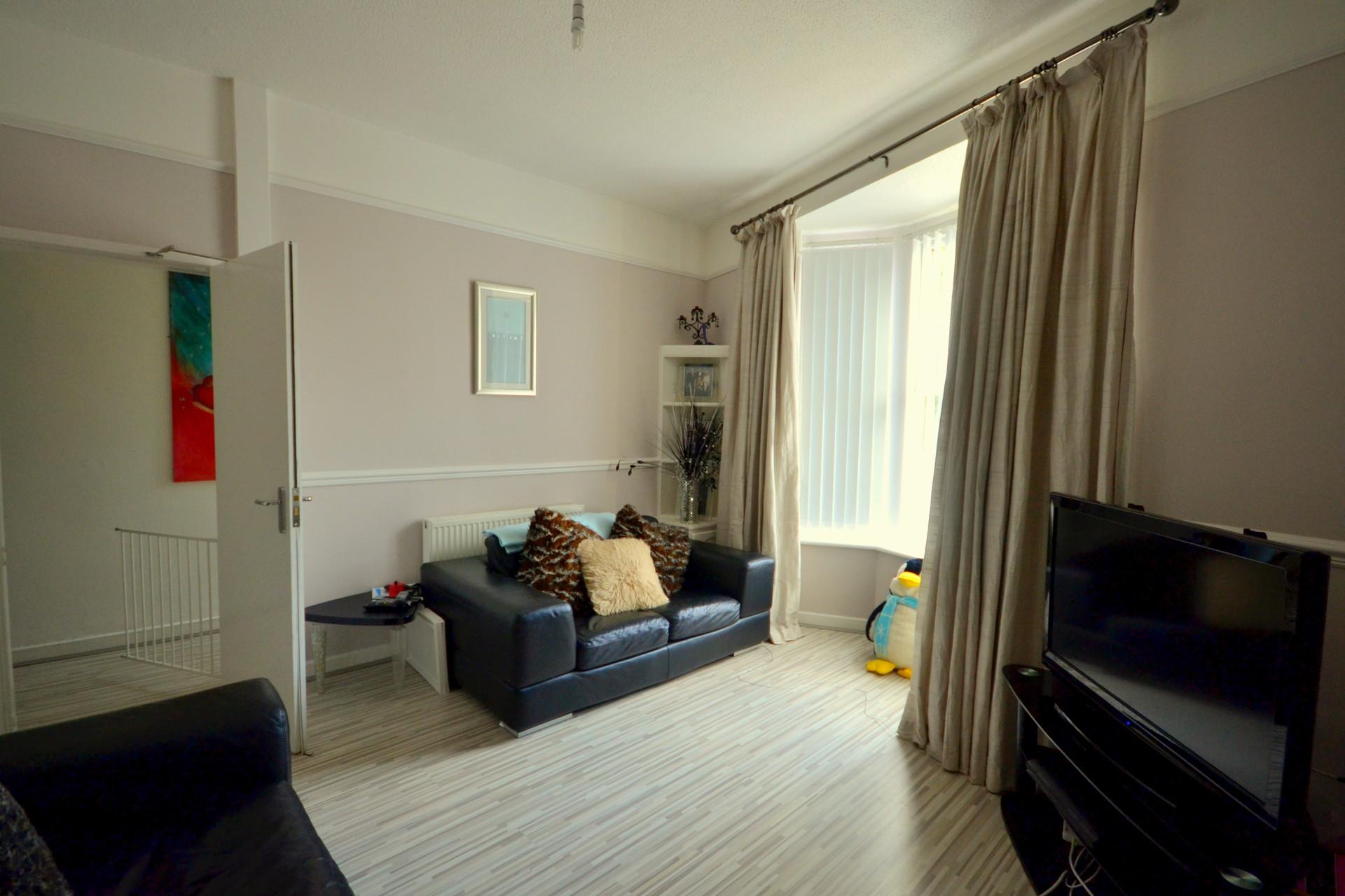 large-spacious-double-room-a73158a899157d2fb1409ae3ecd02ed4
