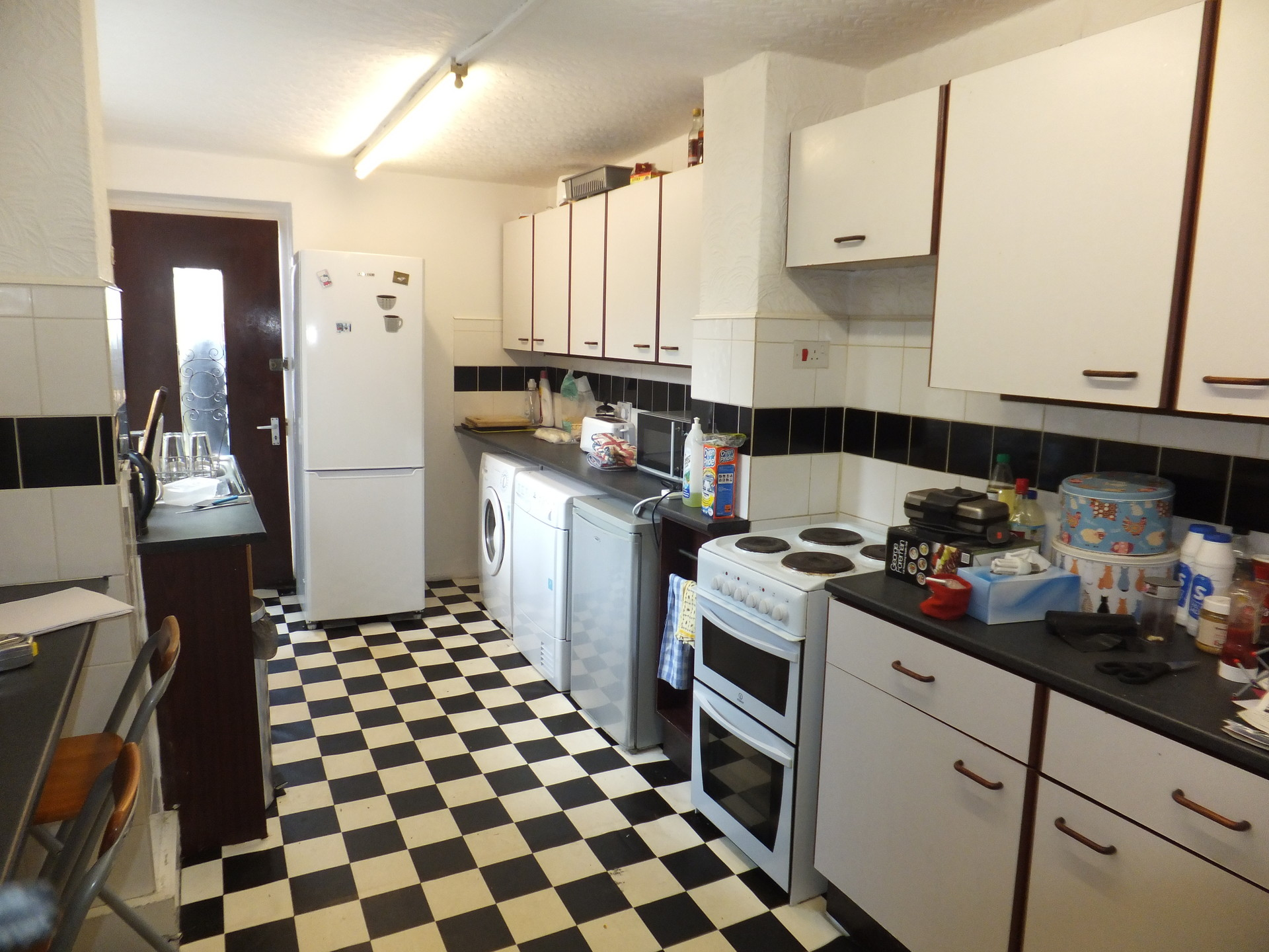large-spacious-room-durham-e5f7bbe27bb6f
