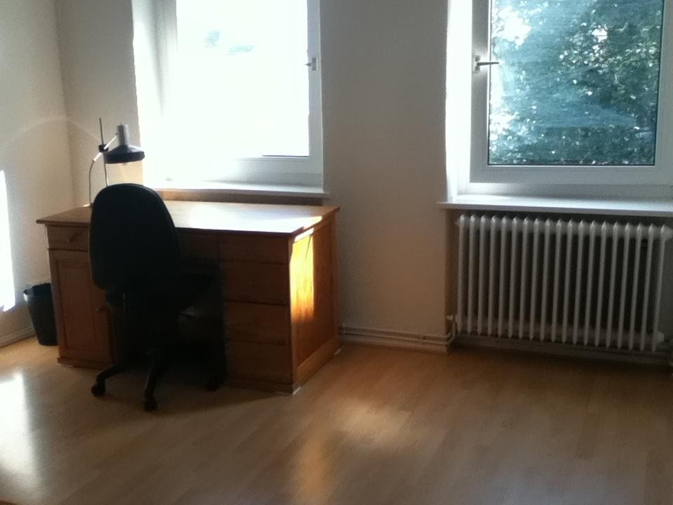 Large And Sunny 22 M 178 Full Furnished Room In 65 M 178 2 Rooms Appartment To Subblet Room For Rent