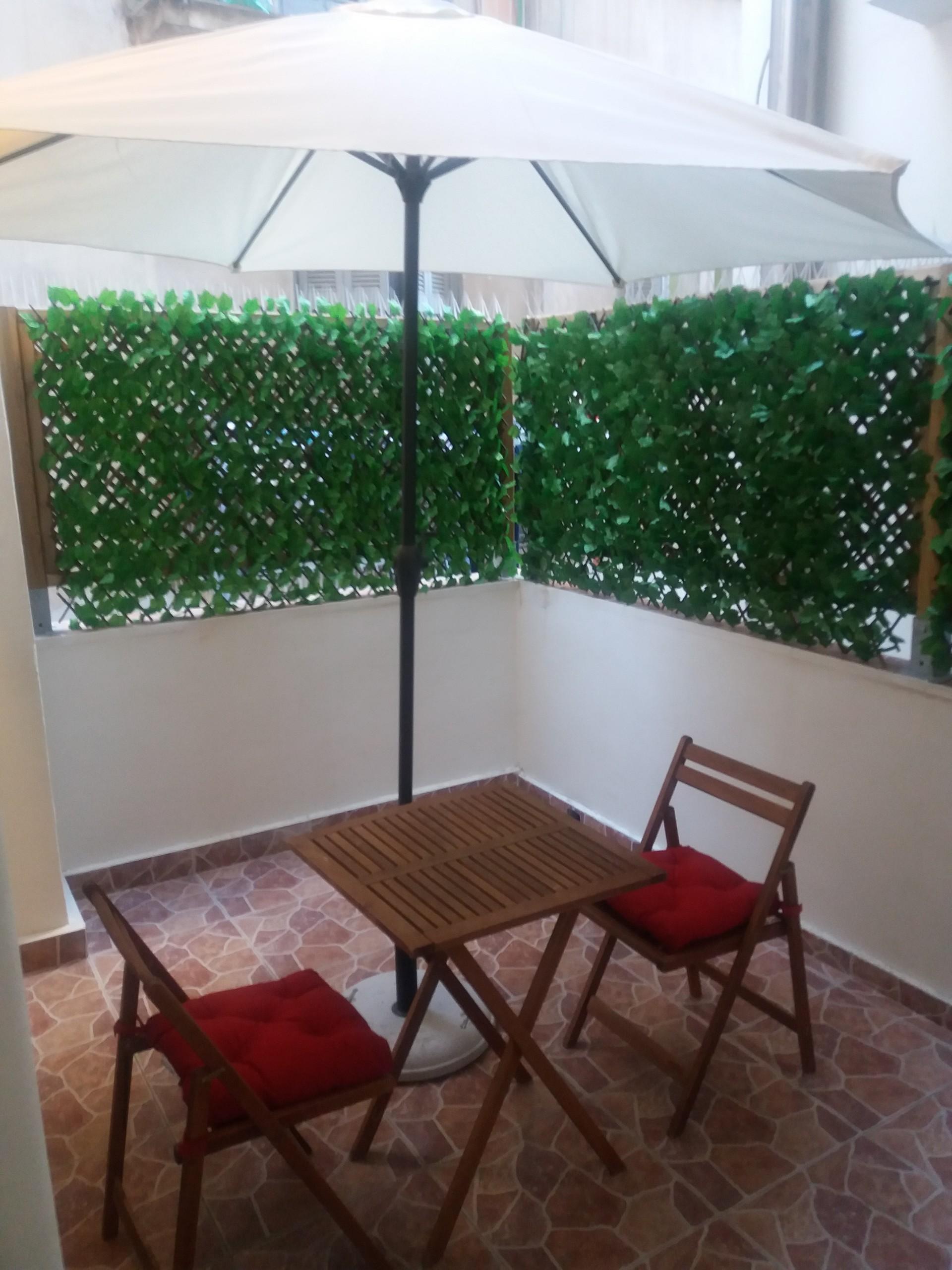 large-sunny-apartment-athens-23ecf898829