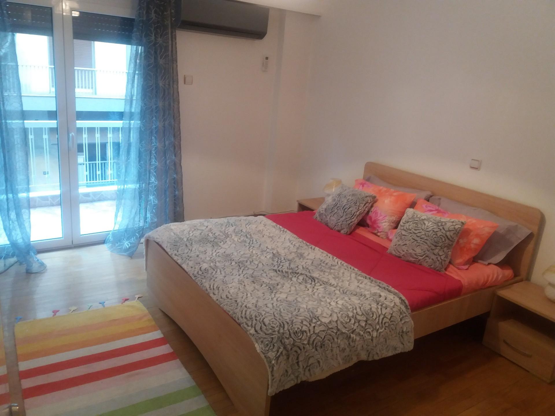 large-sunny-apartment-athens-9e5adce586e