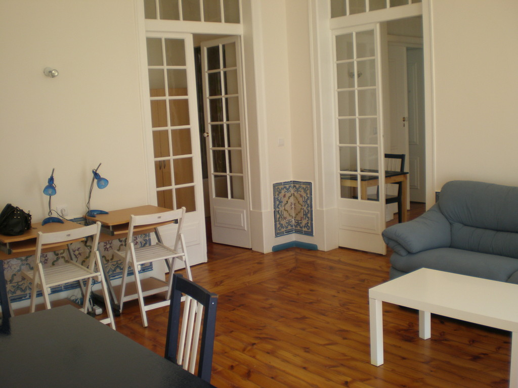 ... Large And Sunny Apartment At Central Historical Lisbon ...