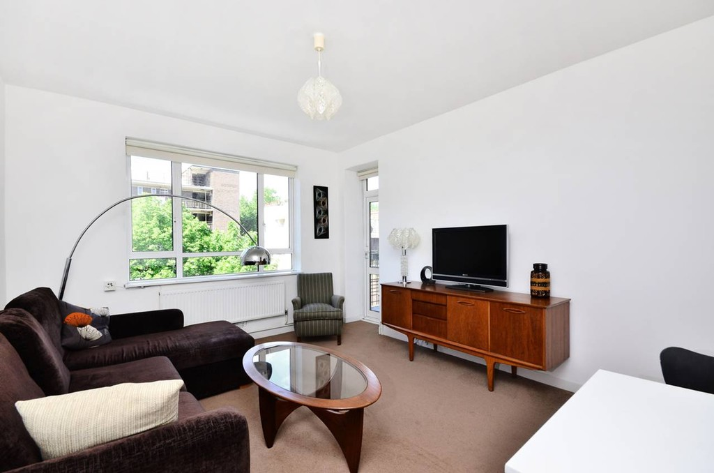 Large and sunny apartment in London - Boswell Street ...