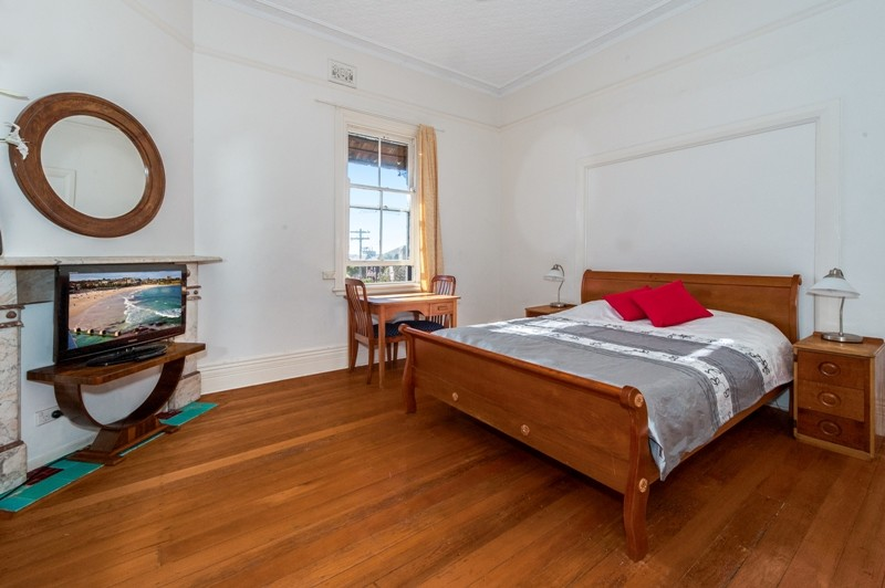 Large Sunny Room in Beachside Coogee