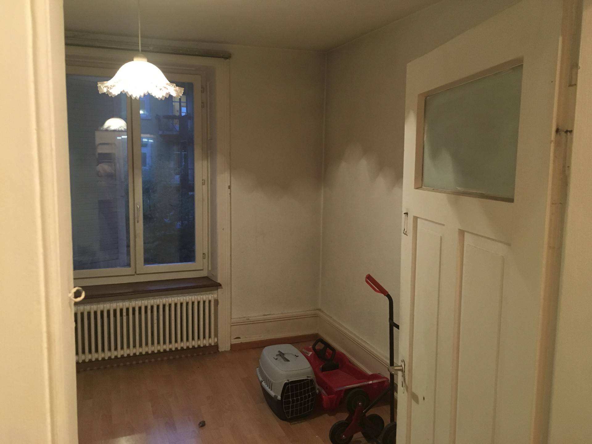 large-sunny-room-center-zurich-rent-230eacba31aa284d50cd812920ce9186