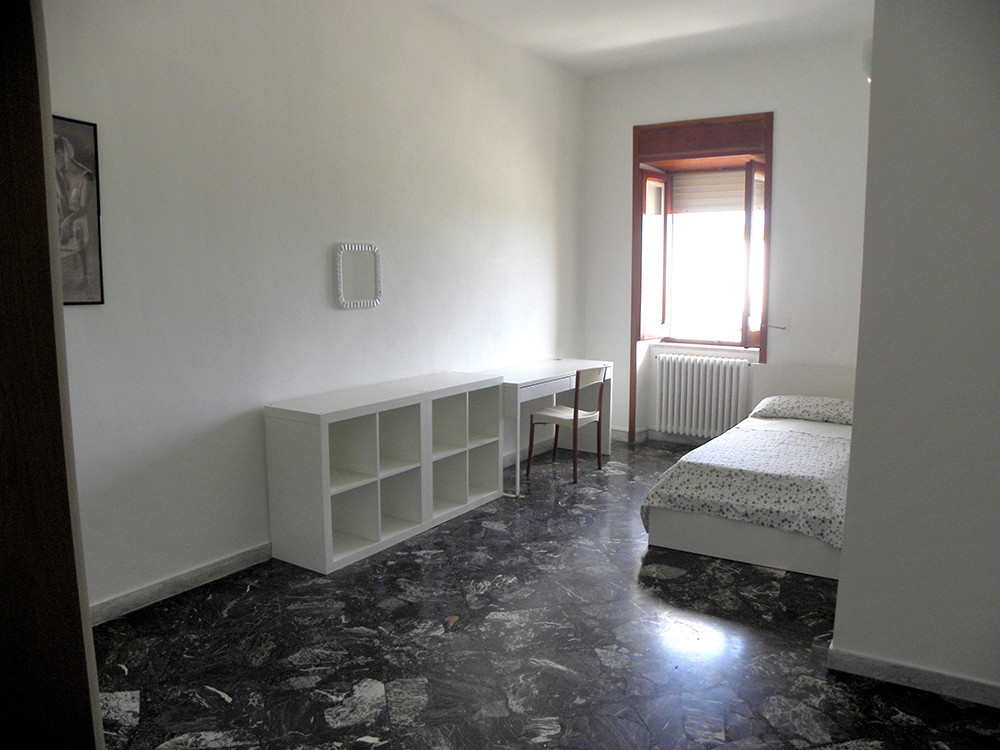 Large and sunny room in Lecce Room for rent Lecce
