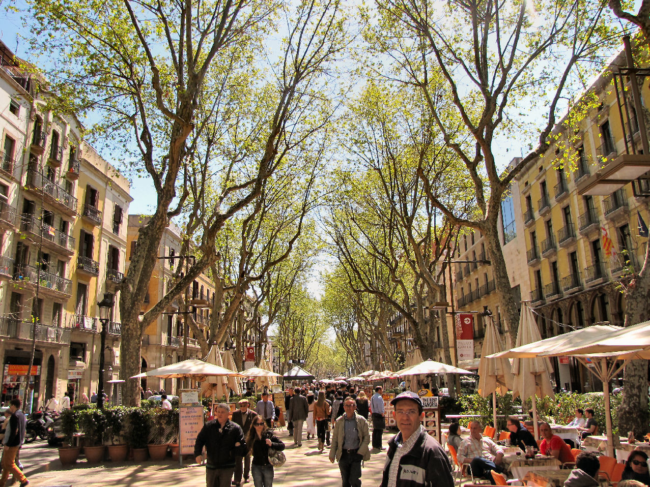 Las Ramblas and Plaza Cataluña (historical centre)