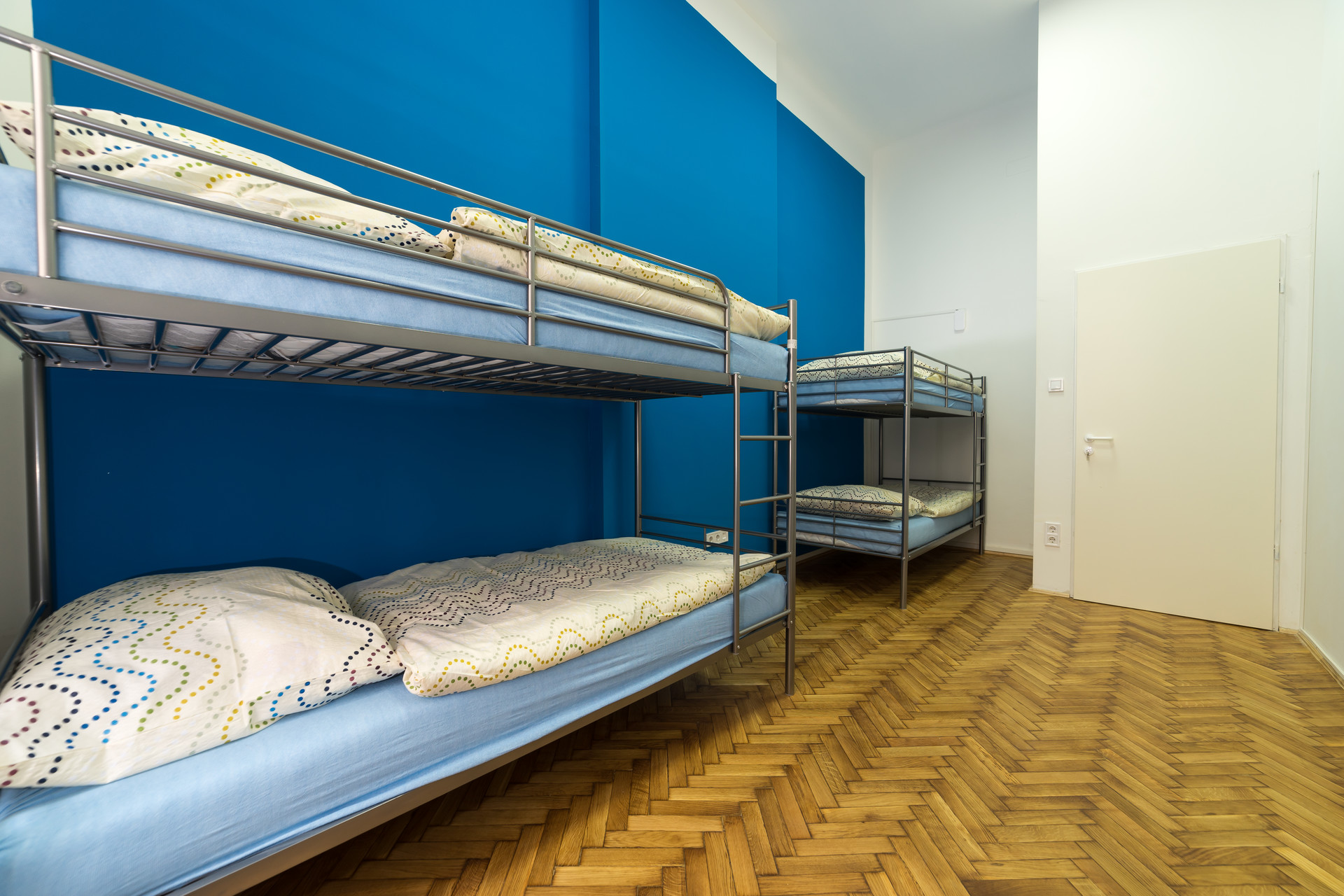 Bed In 4 People Shared Room For Students Only Females Budapest District 6 Room For Rent Budapest