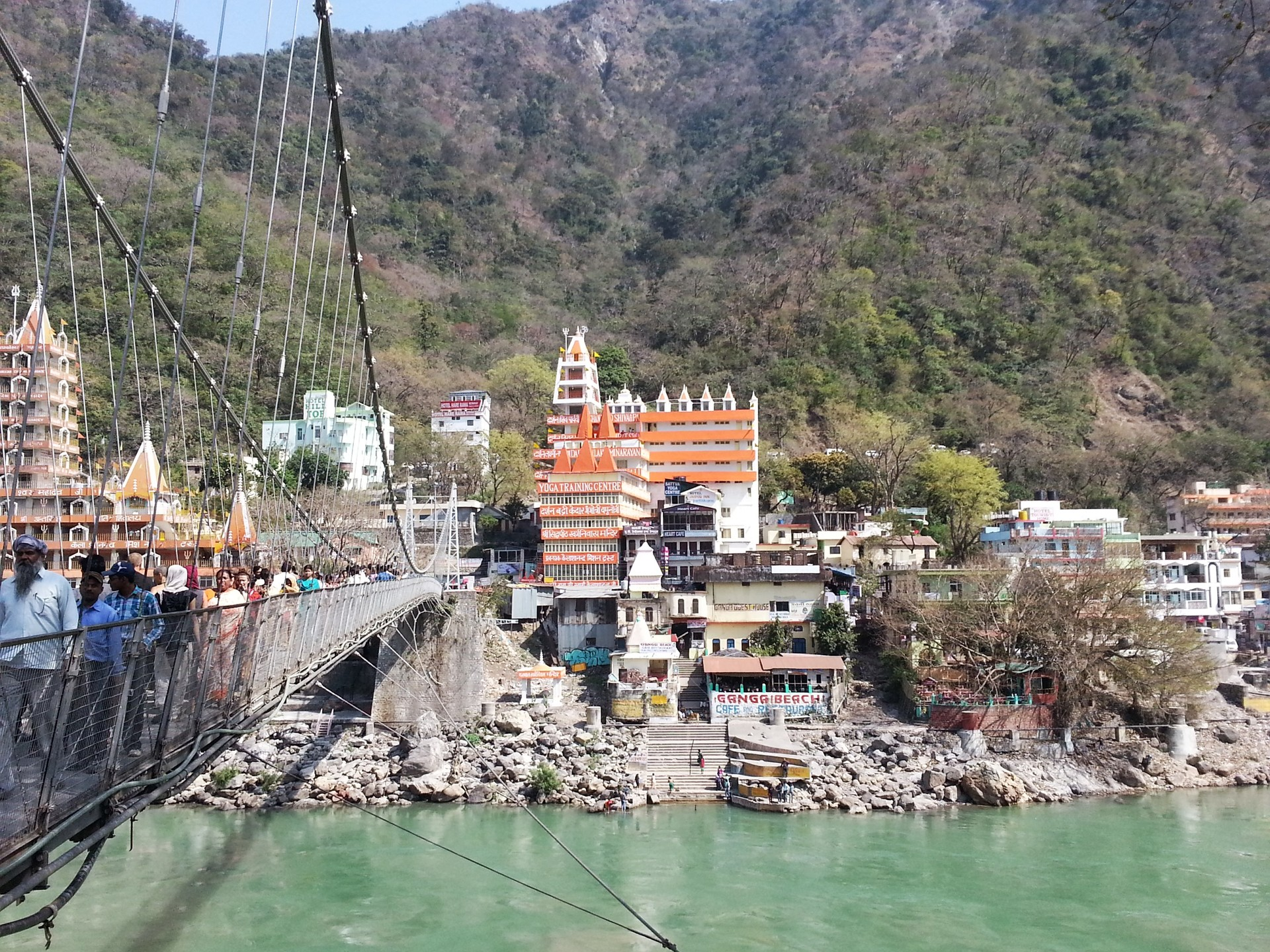 Laxman Jhula, Inidan Spa and The Beatles ashram