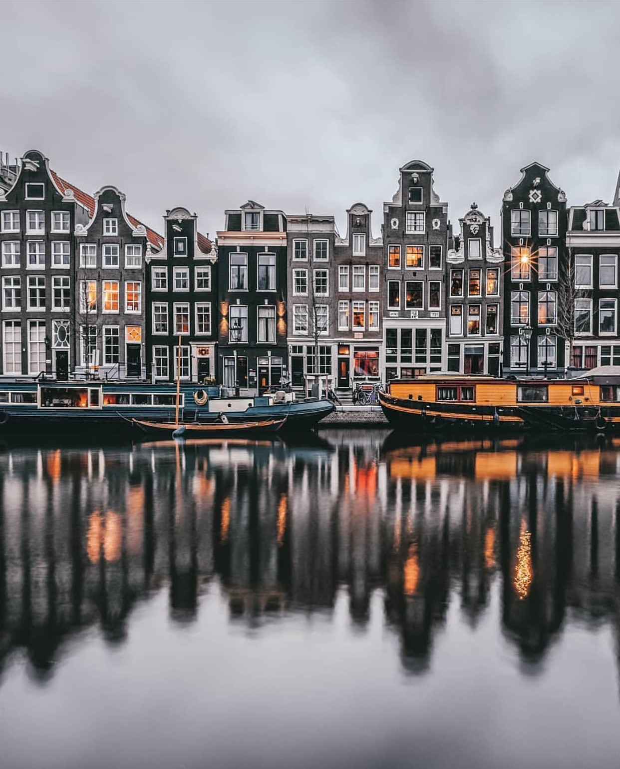 le-dancing-houses-amsterdam-25eb448cad6a