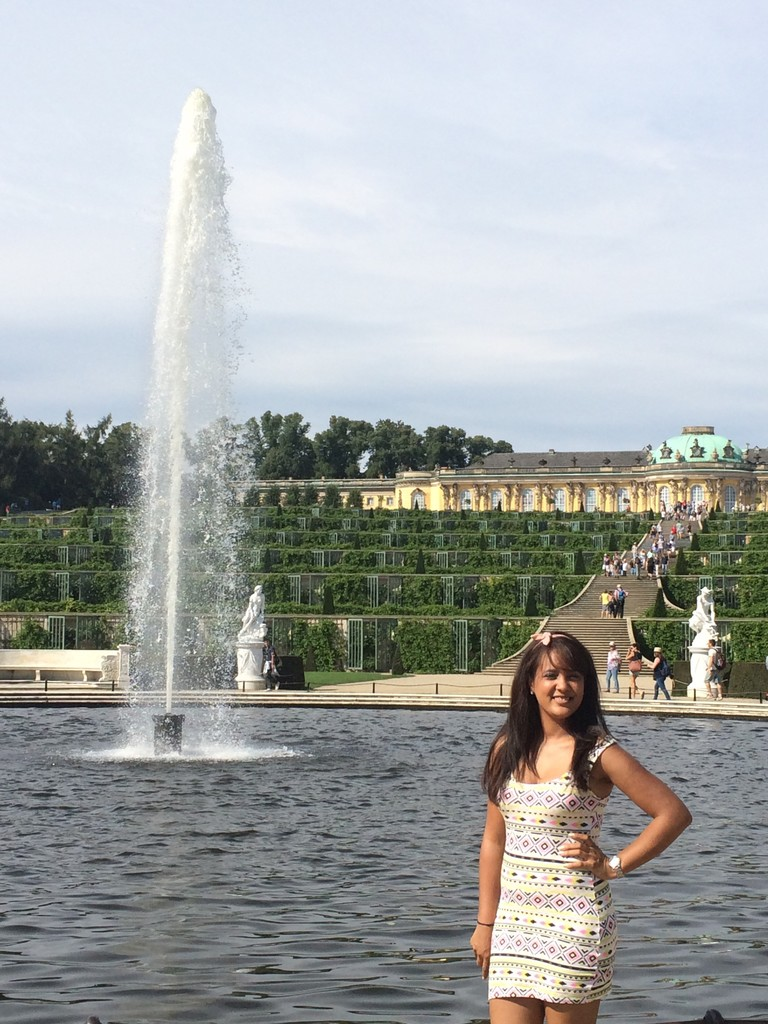 Le glorieux Palais de Sanssouci, demeure du roi de Prusse Frédéric II