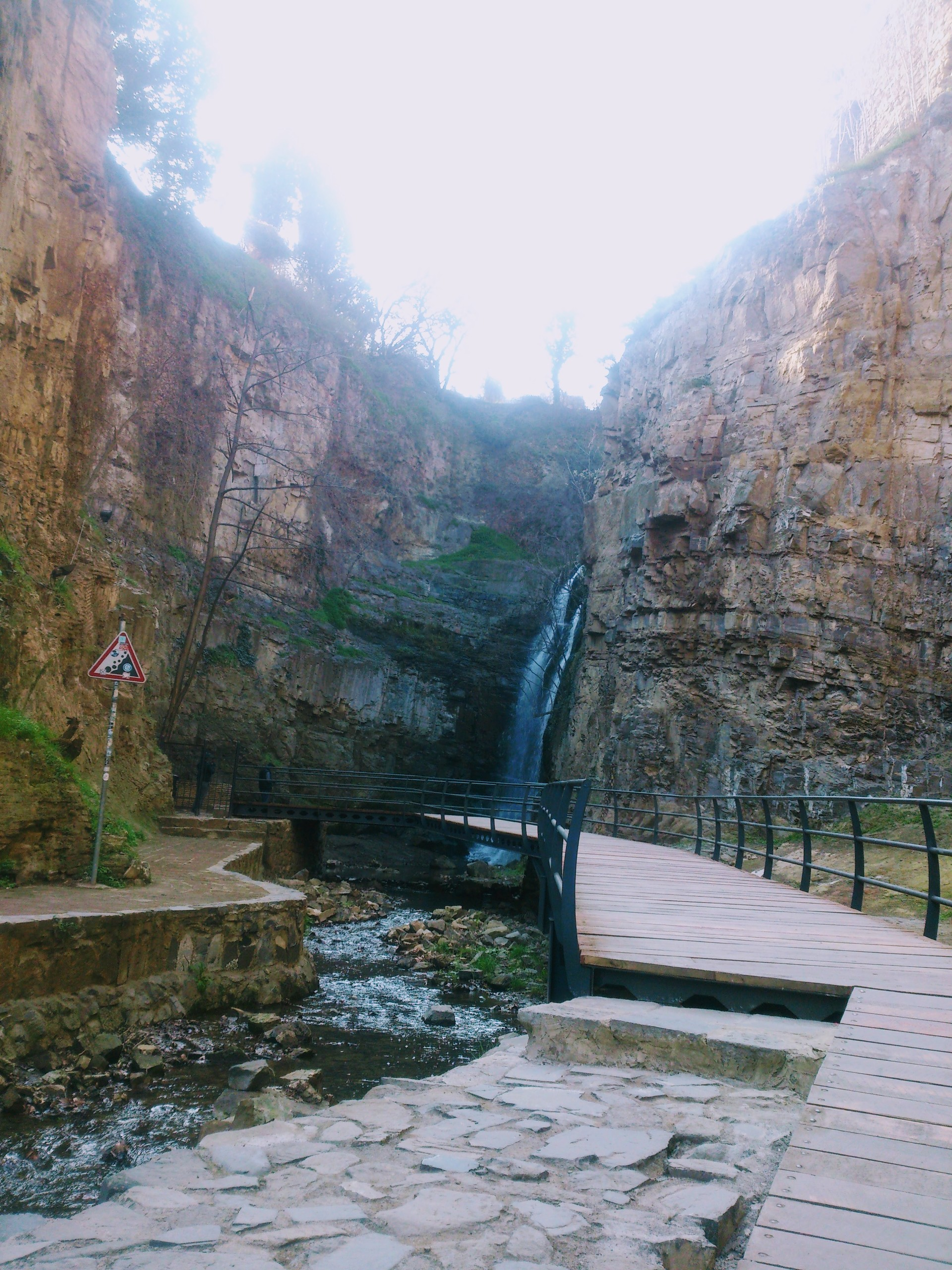 leghvtakhevi-waterfall-c82e11f8510b1e6ad