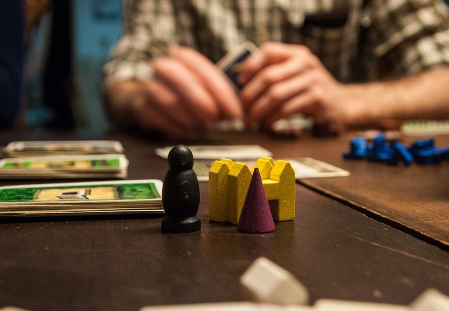 Les Meilleurs Jeux Pour S Amuser Chez Soi Entre Amis Conseils Erasmus