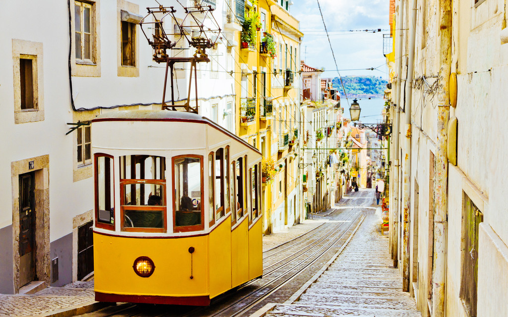 Lisbon - how to survive and have the time of your life