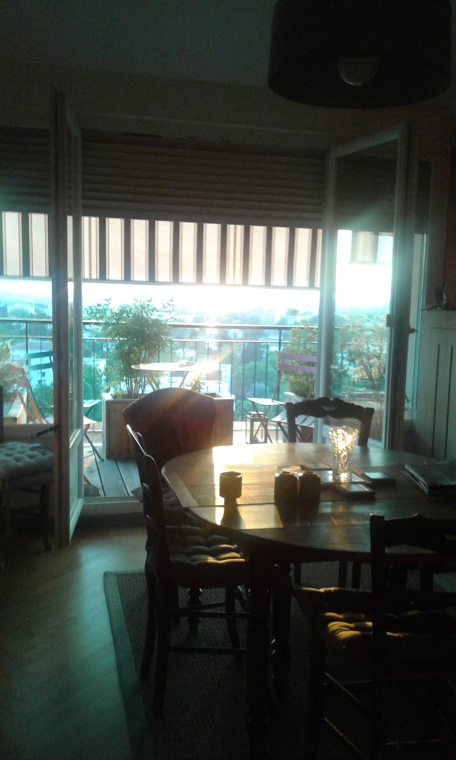 logement chez particulier loge nourri blanchi lyon location chambres lyon. Black Bedroom Furniture Sets. Home Design Ideas