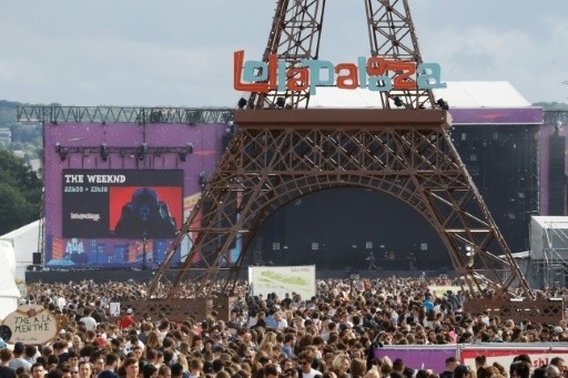 Lollapalooza and the alternative music culture essay