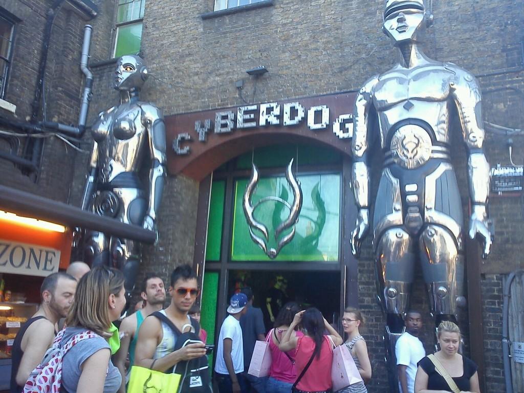 london-calling-visitare-londra-17353676b