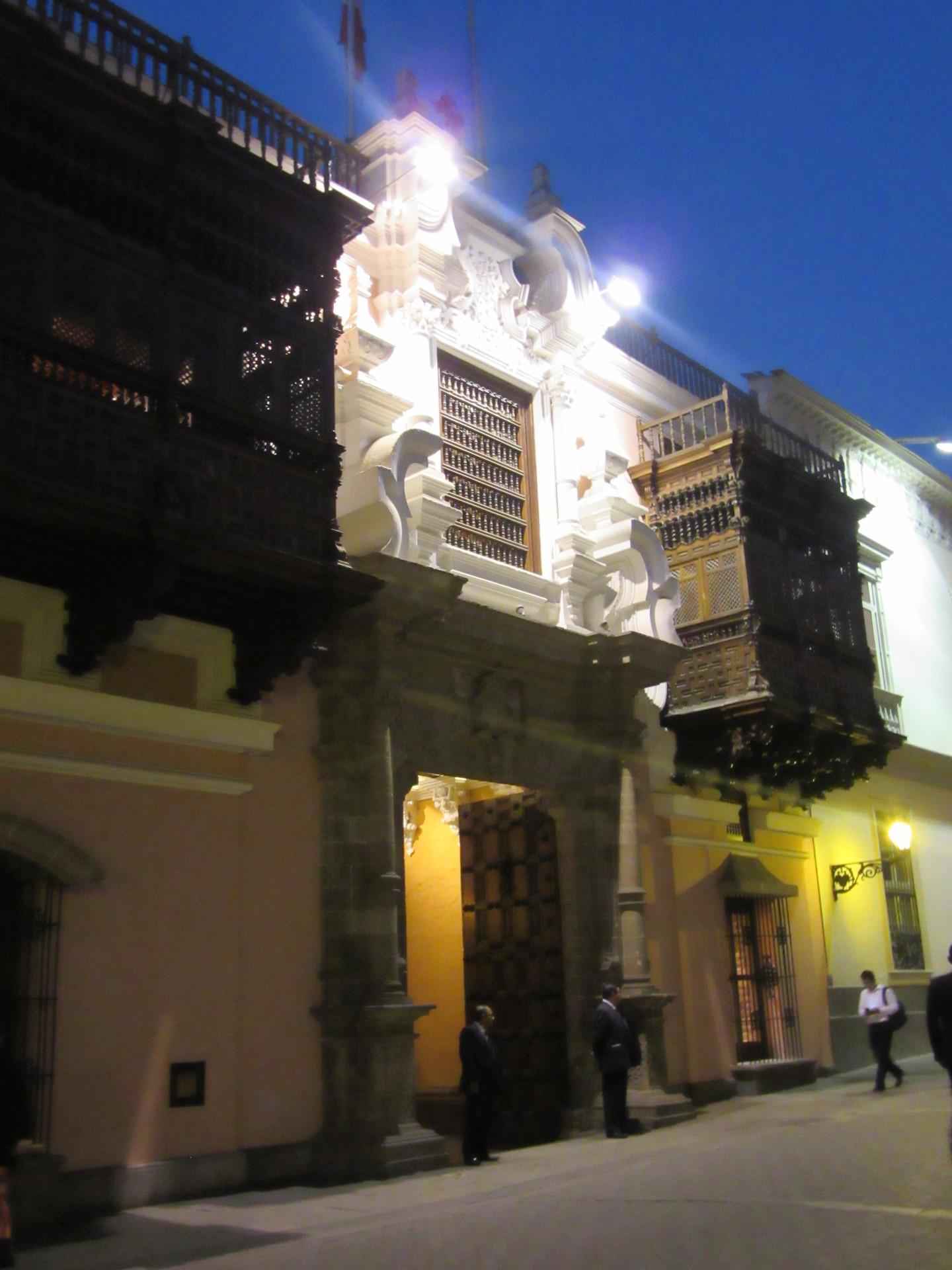 los-mejores-balcones-coloniales-lima-94e