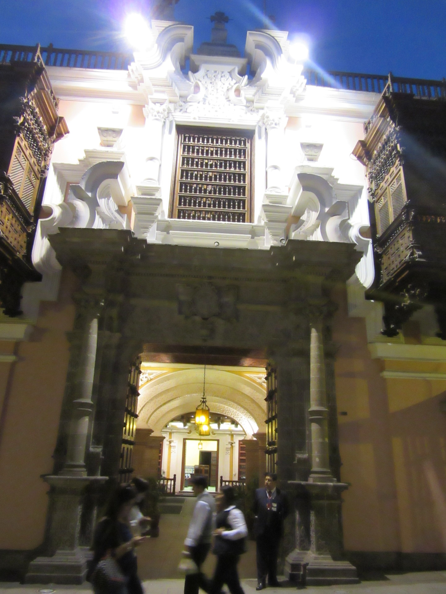los-mejores-balcones-coloniales-lima-c0d