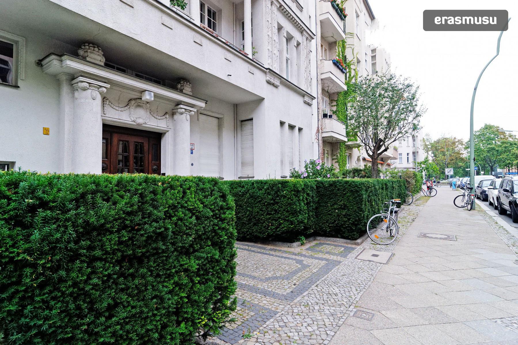 lovely-1-bedroom-flat-bayerischer-platz-