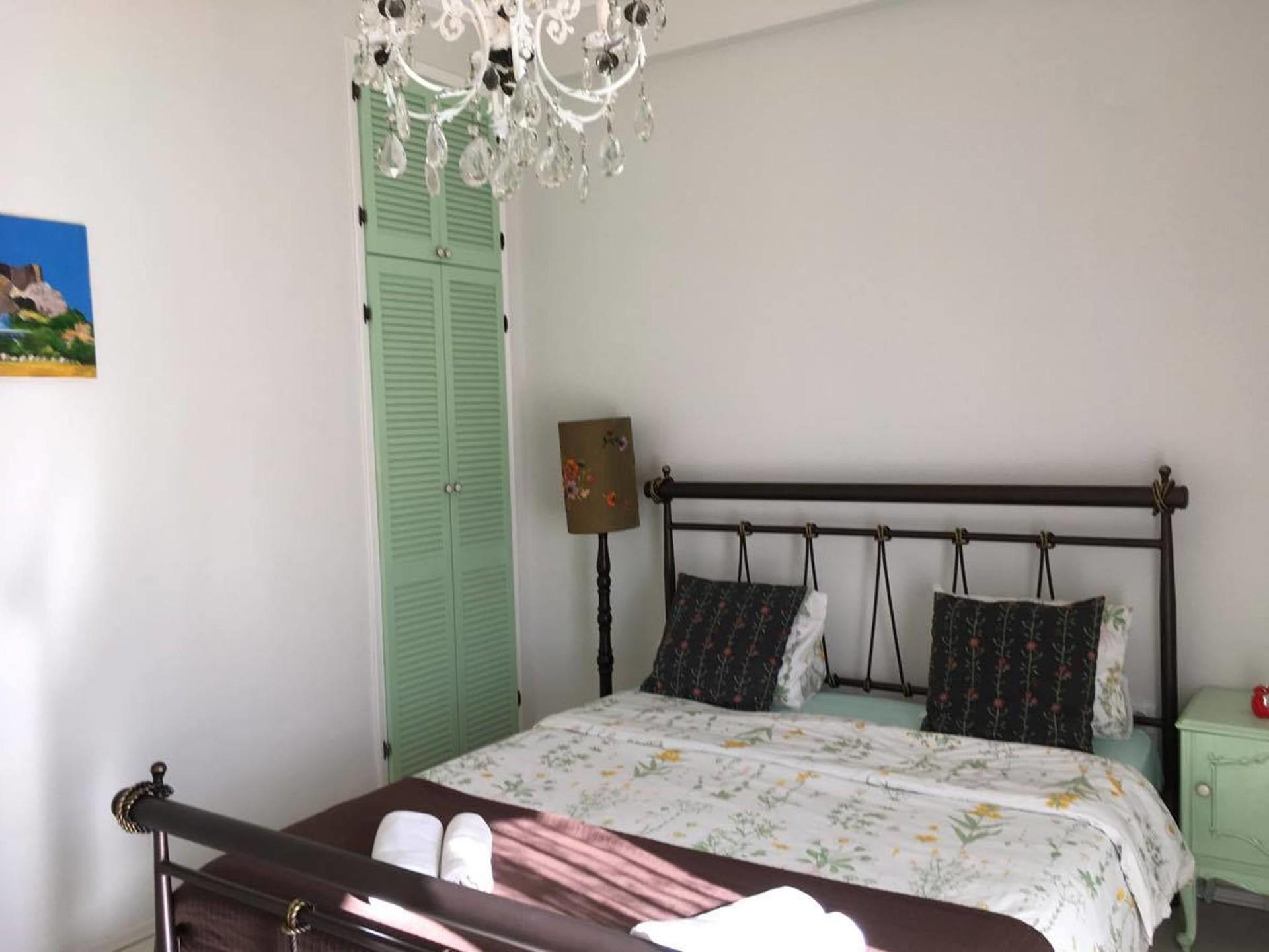 lovely-apartment-big-terrace-4-metro-cbf720f2bd06f3d53de55a5edea5fd10