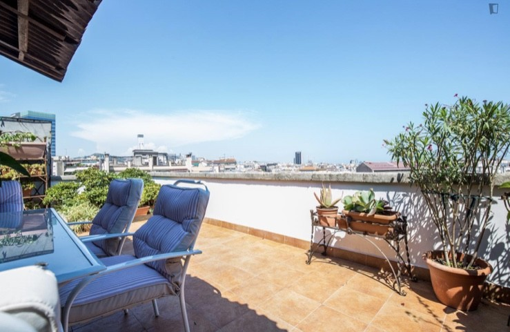 Lovely Buhardilla Room- Duplex Apartment in the heart of Eixampl