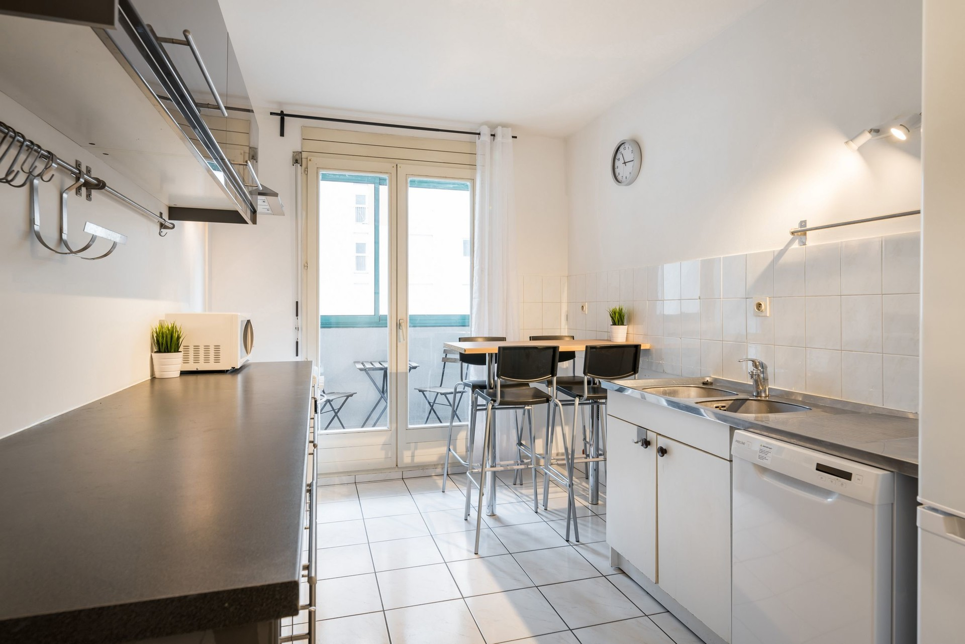 Lovely room in a 4 bedroom flatshare in the center of Lyon | Room ...