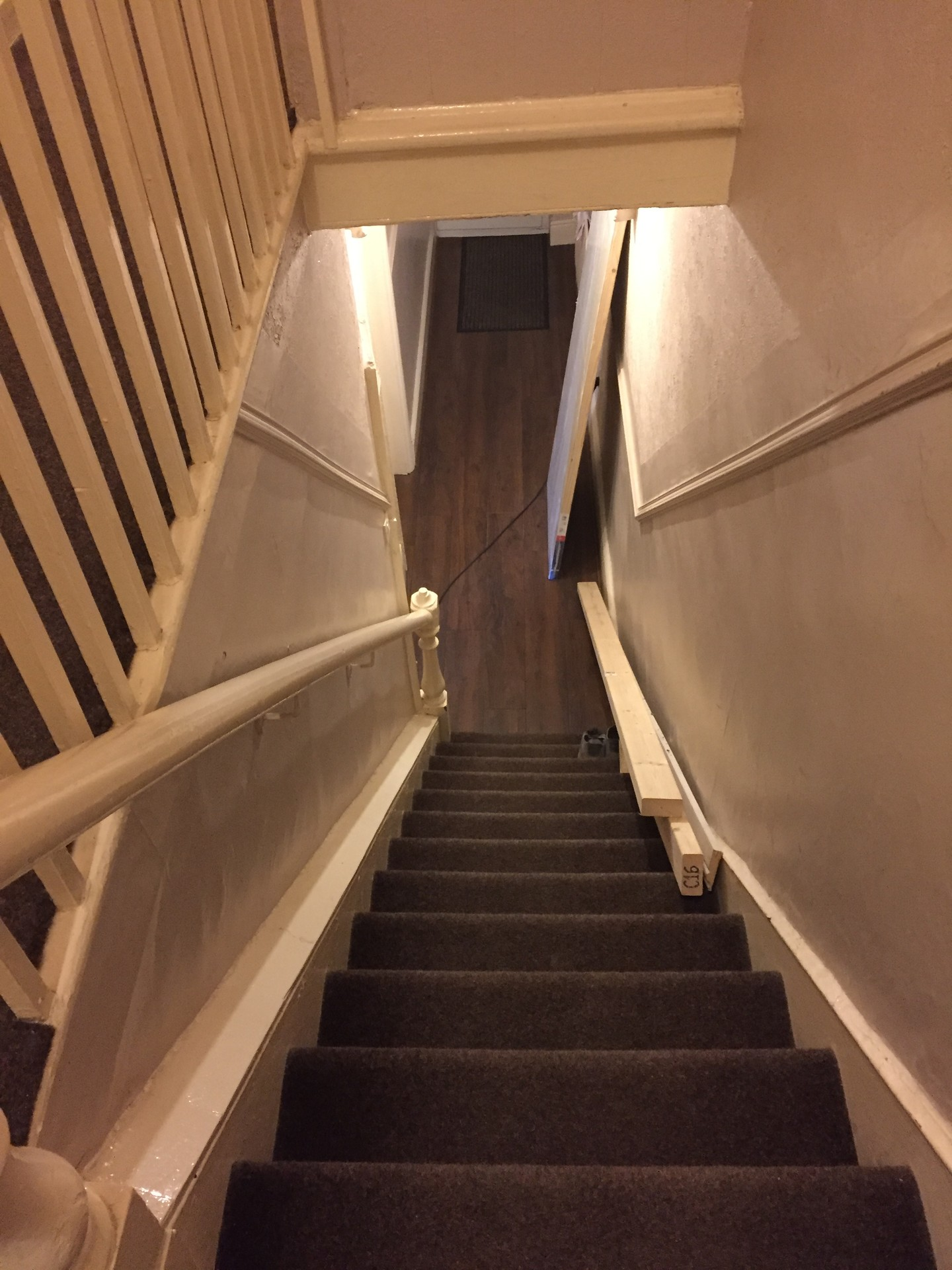 Lovely large double downstairs room only £350 per month with bil