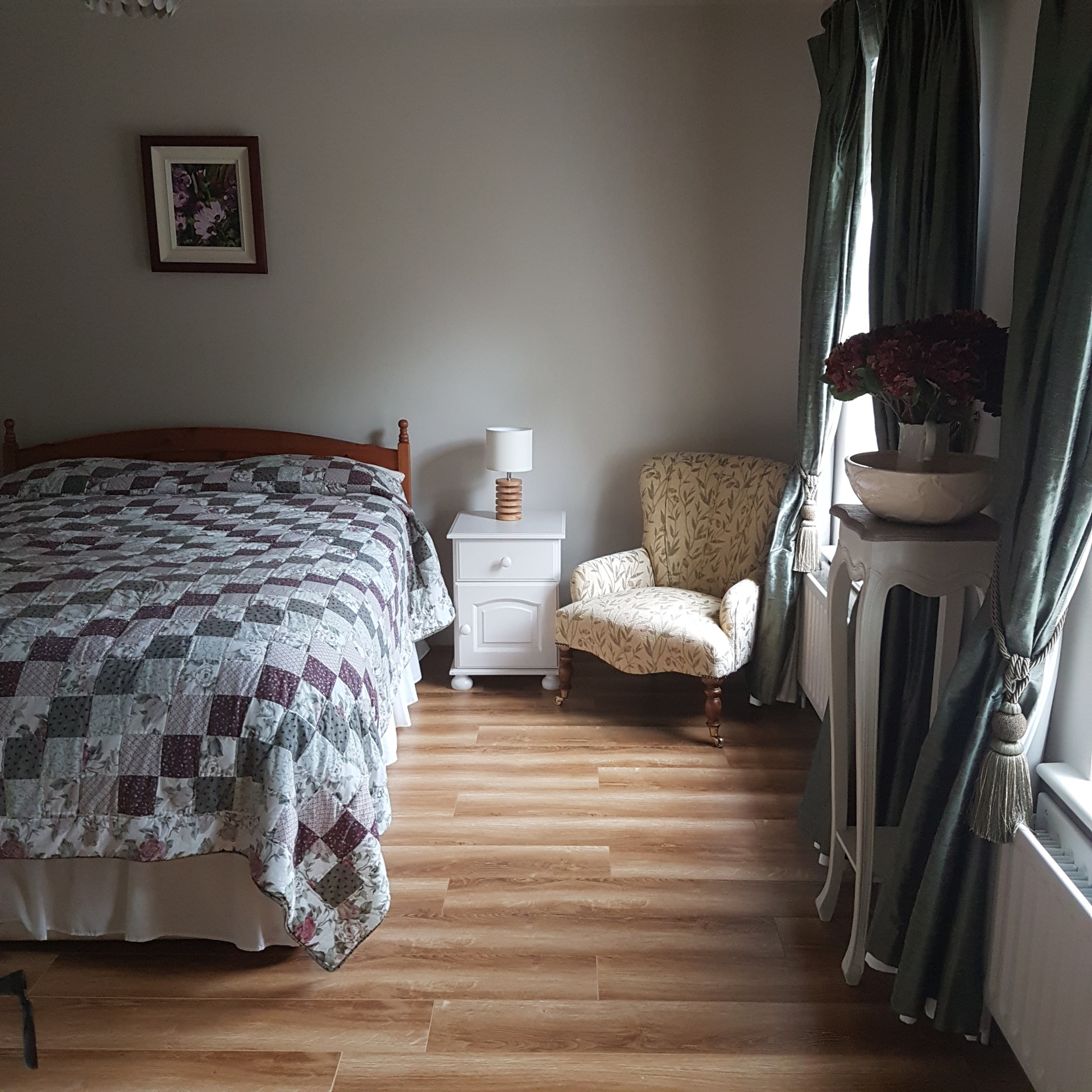 Large Double Ensuite Bedroom To Rent In Barna Galway