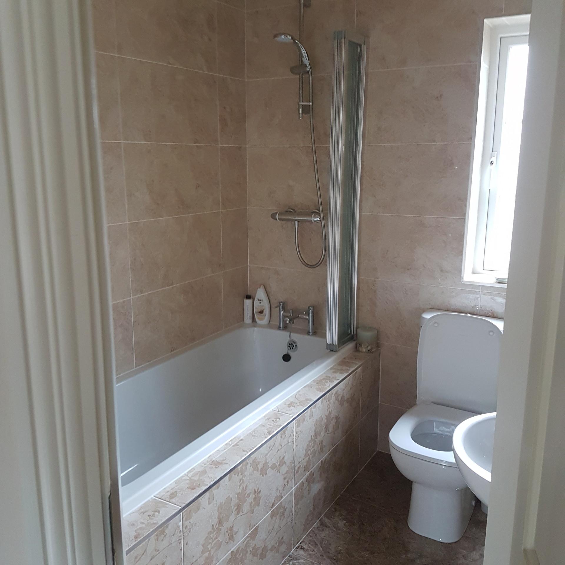 Bedroom With Ensuite Bathroom: Large Double Ensuite Bedroom To Rent In Barna, Galway