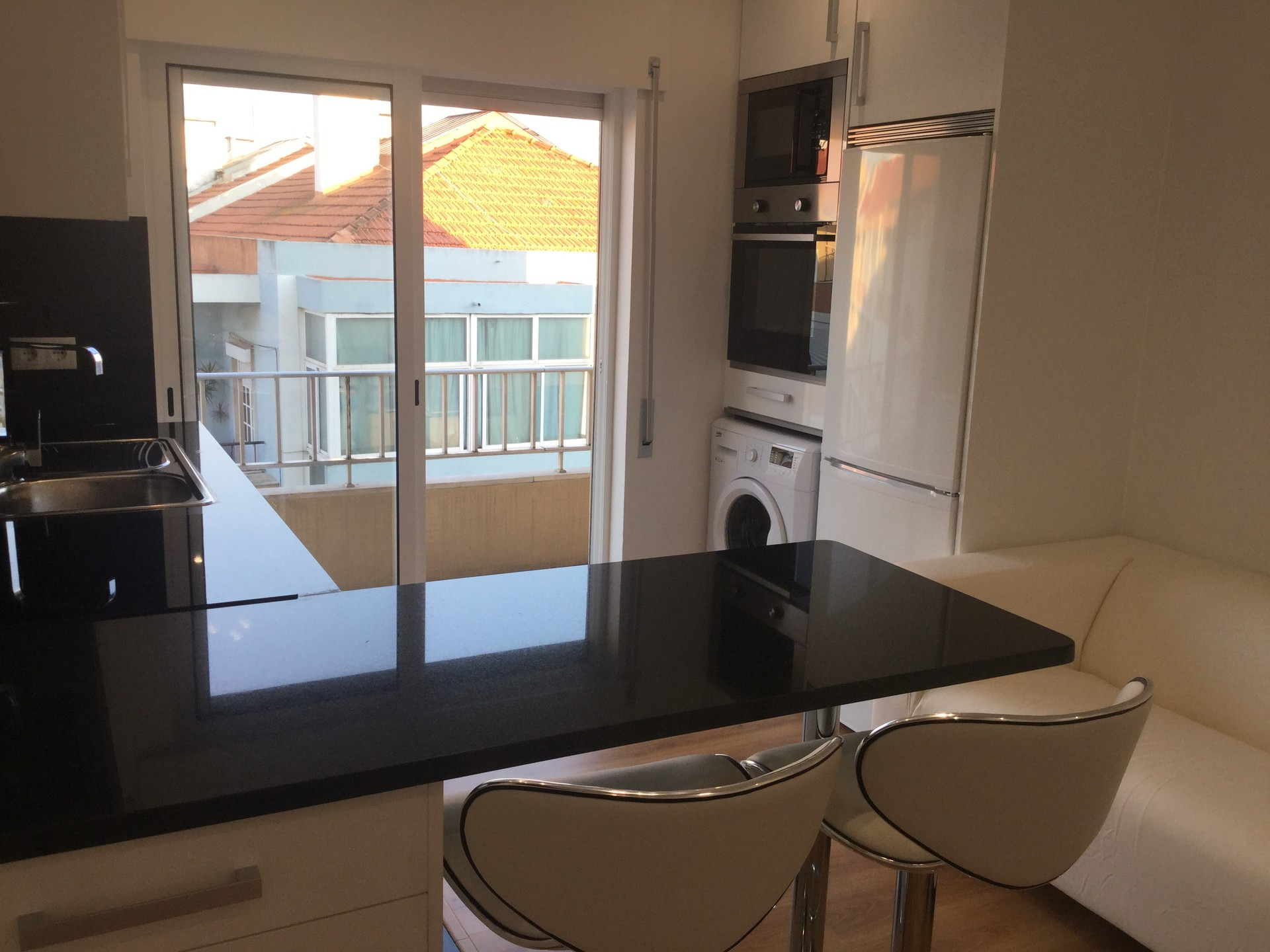 lovely-new-apartment-central-almada-7d84