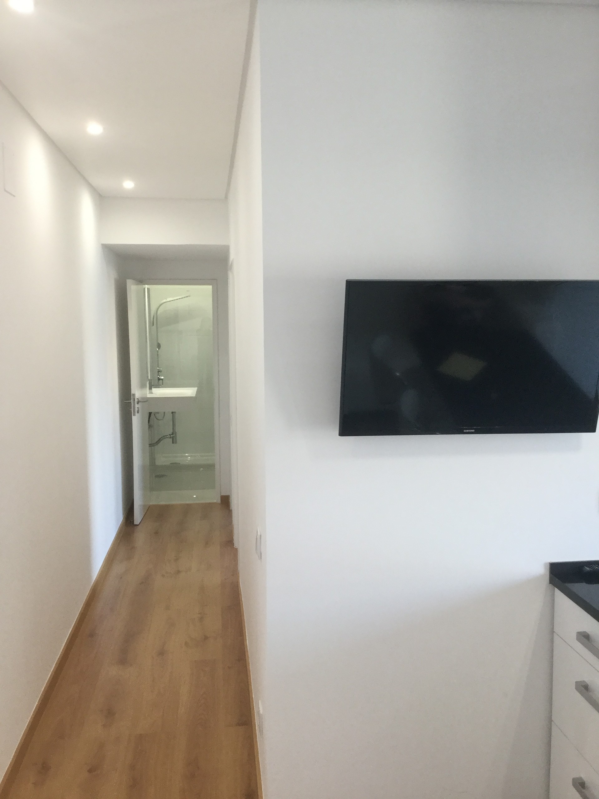 lovely-new-apartment-central-almada-dc5a