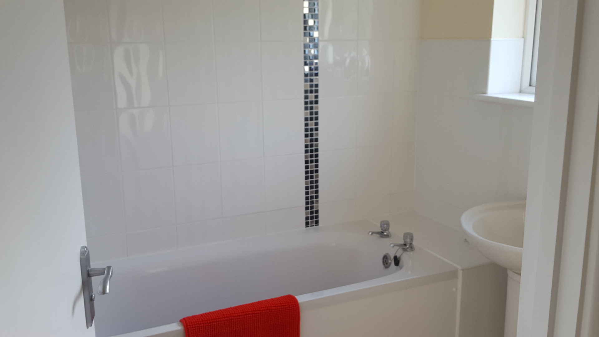 lovely-newly-refurbished-double-rooms-shared-house-redditch-worcestershire-a9f8bc6baeda27299c94d2afa248f14a.jpg