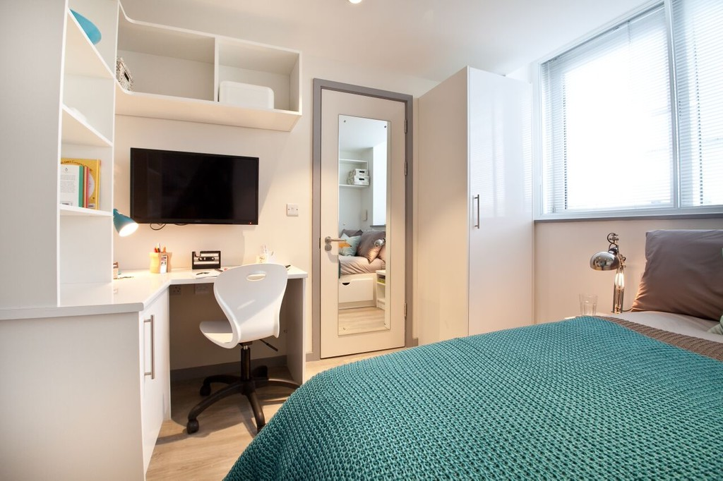 Leeds Rent A Room For A Month