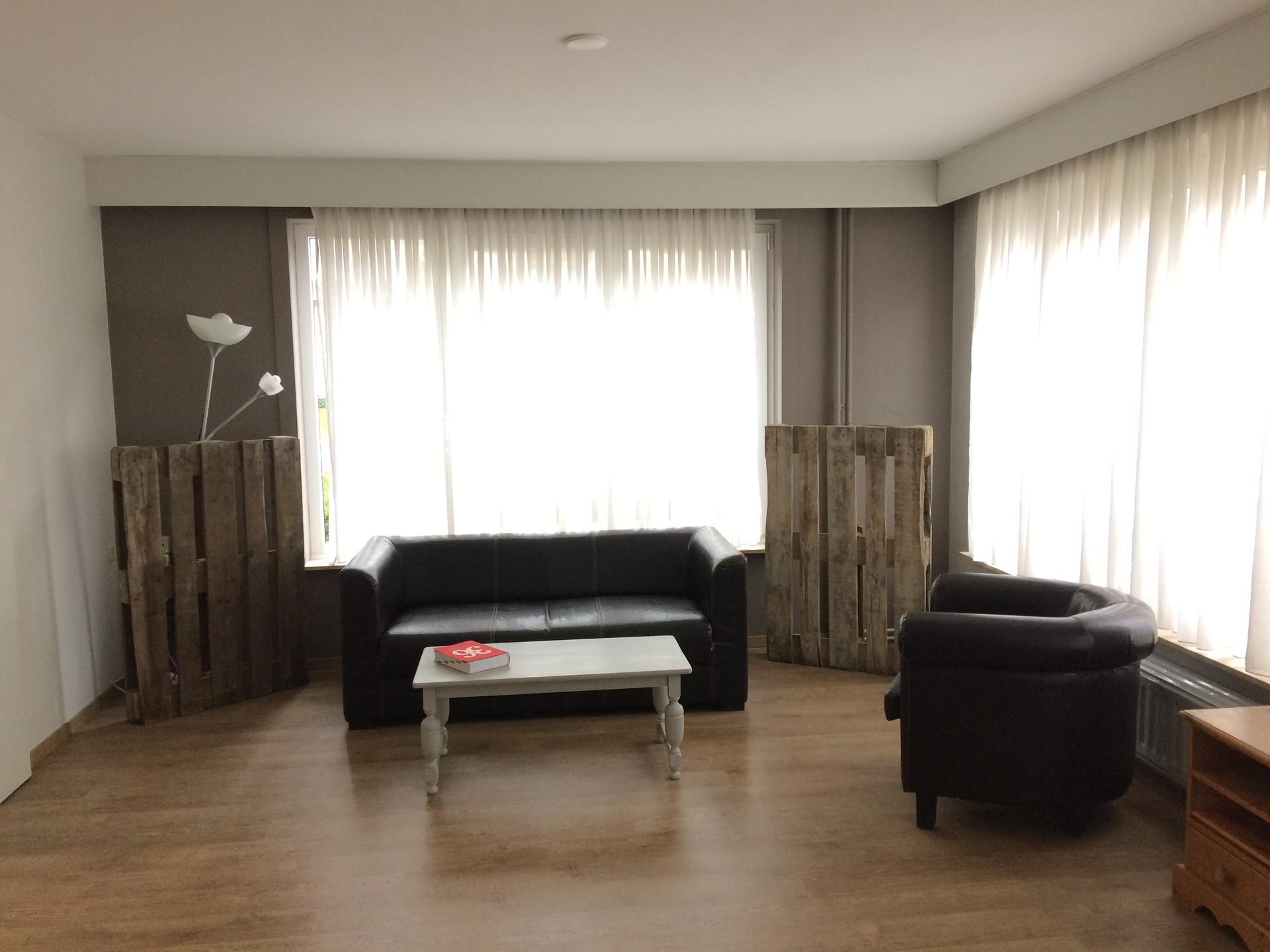 lovely-room-shared-apartment-beautiful-backyard-b15697c60f48a9157acbb1d347c3aa33