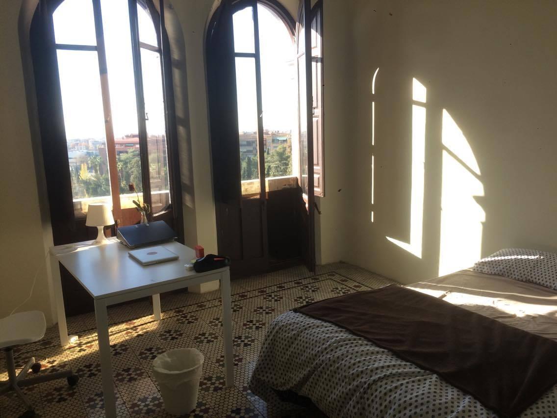 Lovely single Room at Centro (Av. de la Constitucion - Room 125)