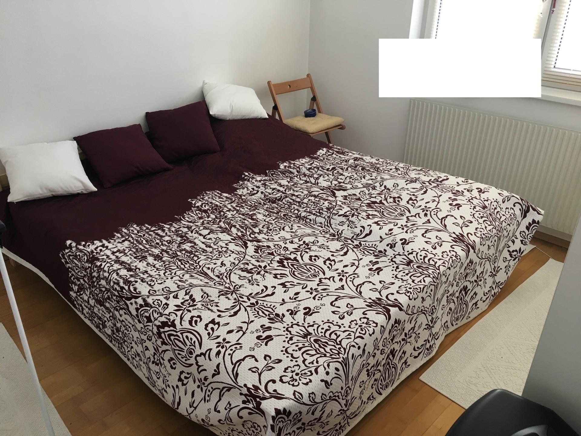 lovely-sunny-quiet-apartment-10-min-historical-center-7e79e518e18f28148ae63db7ef7c45e5
