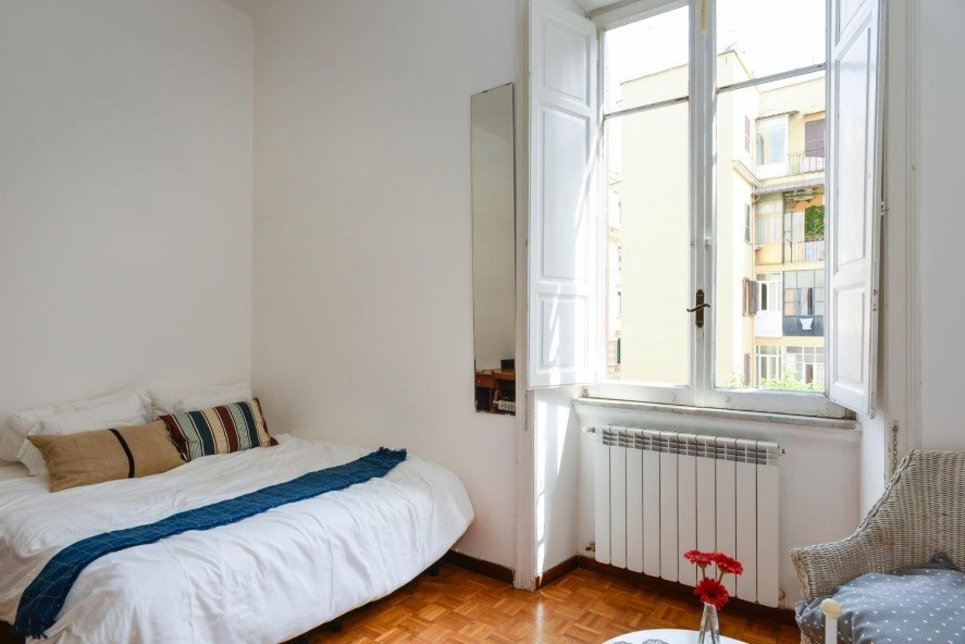 luiss-area-rooms-students-roommate-piazza-regina-margherita-greatest-location-3b5658b82f9d4f30ee91665d391aae5b