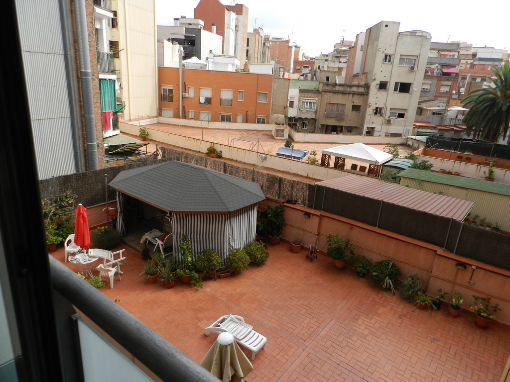 Habitacion doble con dos bonitas terrazas alquiler habitaciones barcelona - Habitacion para alquilar en barcelona ...