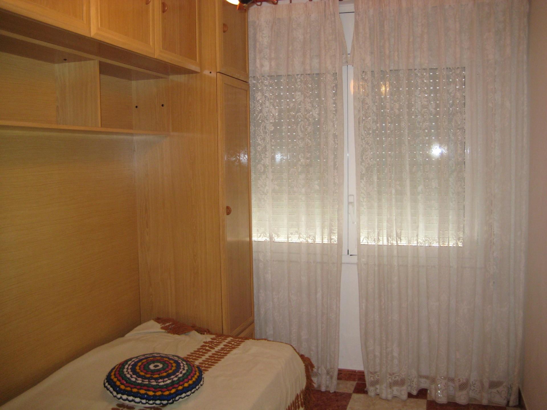 Luminosa habitación individual junto al Campus Bel