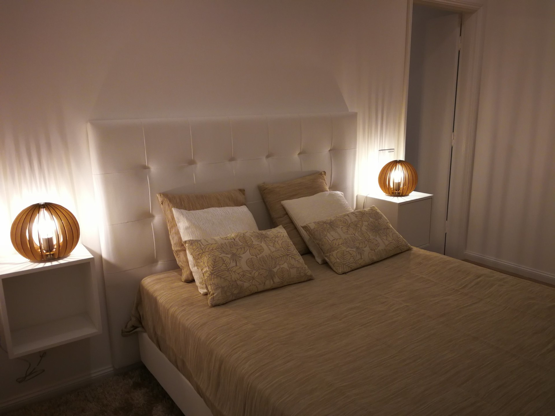 LUXURIOUS ROOM'S NEXT TO OPORTO'S DOWNTOWN