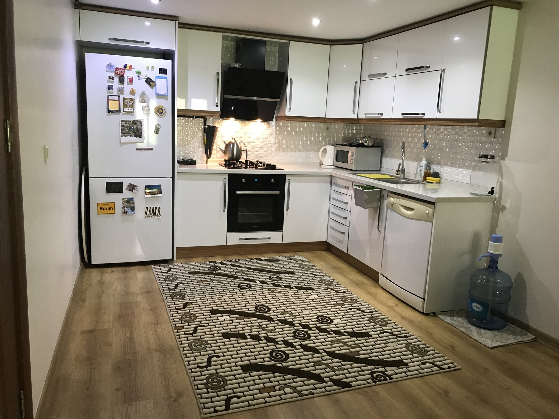 luxury-room-rent-near-to-yasar-university-caa6d8ba98670bb4894da142b0f44710